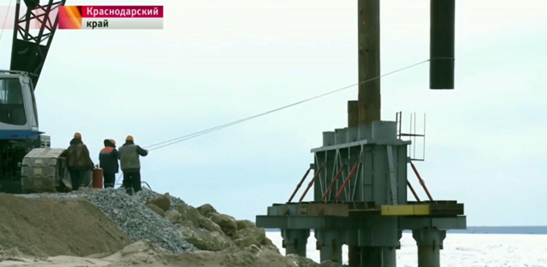 первые сваи для Керченского моста