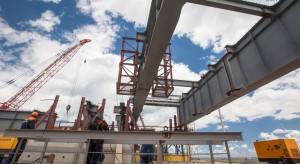 Строители начали монтировать пролеты Керченского моста