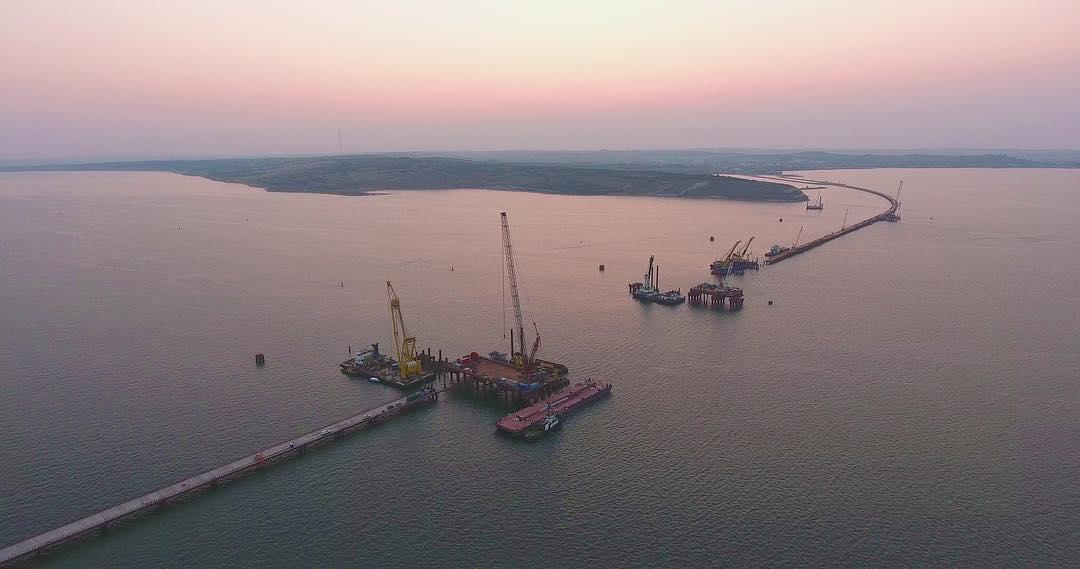 Все идет по плану: Керченский мост строится по графику