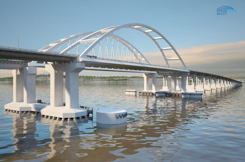 Строители начали монтировать судоходные арки Керченского моста