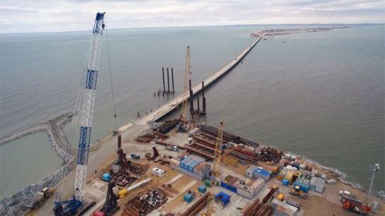Подвозку стройматериалов для Керченского моста теперь будут осуществлять по специальной технологической дороге