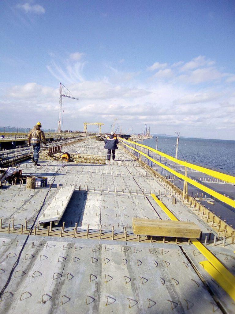 Подрядчик: Керченский мост приобретает свои очертания