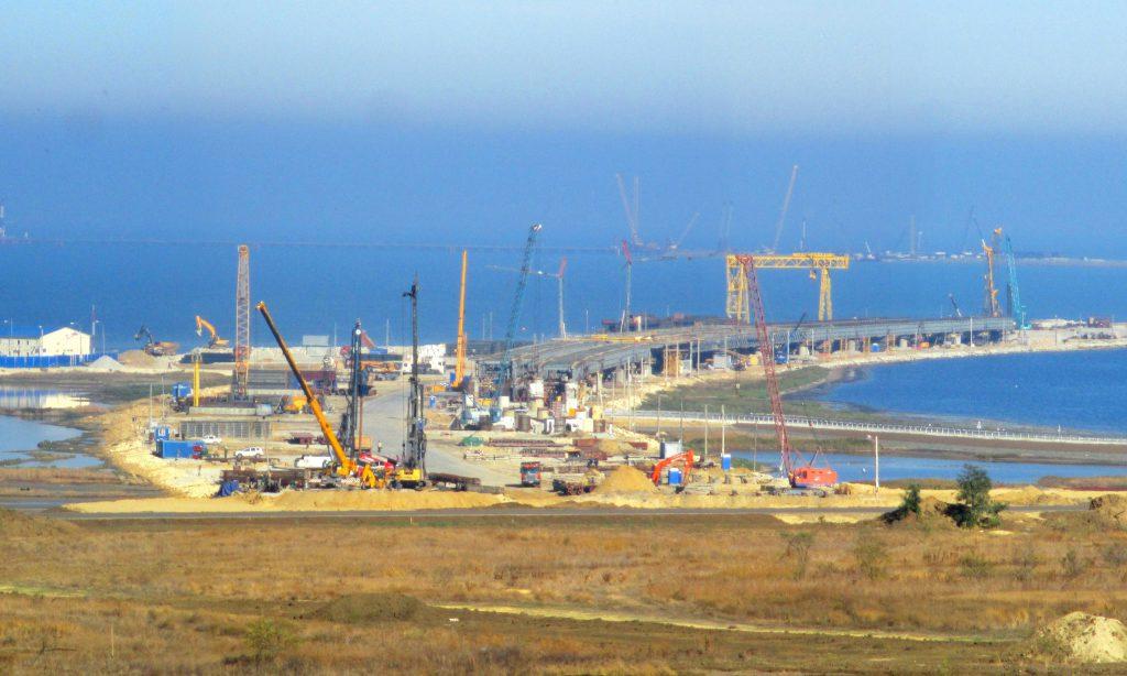 На работы по строительству ж/д подходов к Керченскому мосту выделено почти 17 млрд рублей