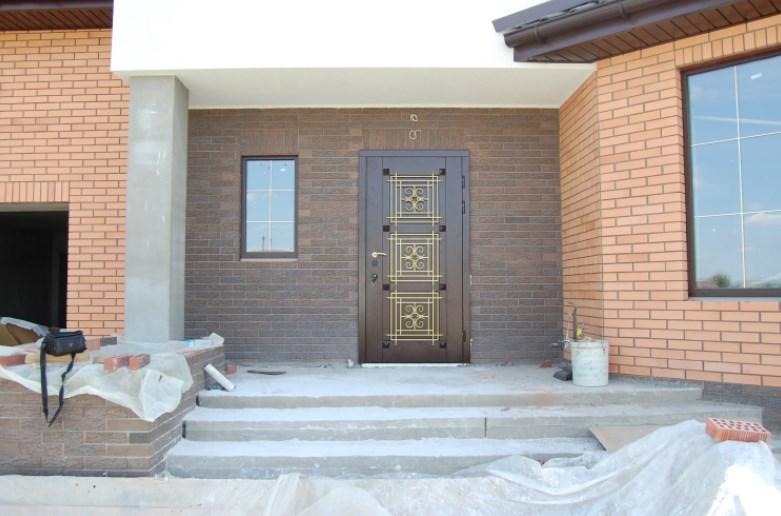 Входные металлические дверные конструкции