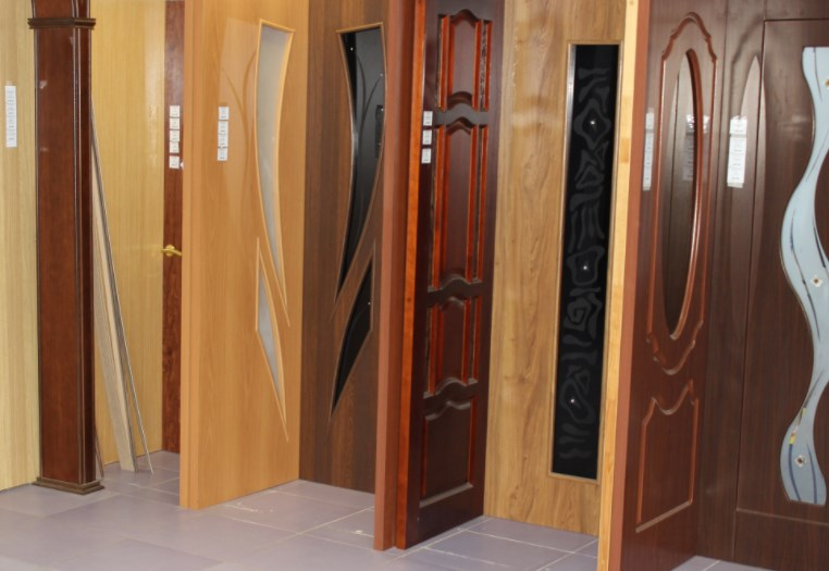 Двери «Папа Карло» - выбираем интересные варианты