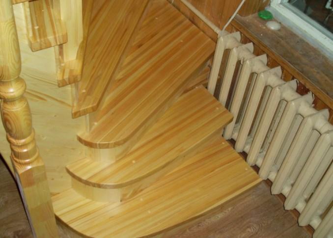 Что из себя представляет лестница из лиственницы?