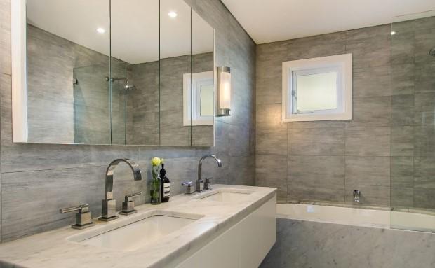 Какой потолок лучше выбрать для ванной комнаты?